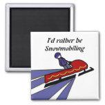Snowmobile del dibujo animado con decir imán