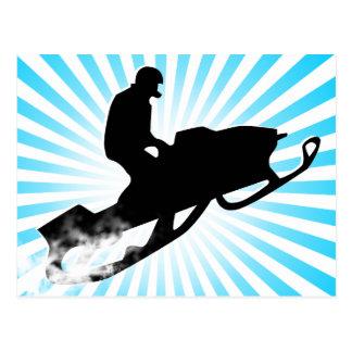 snowmobile. rastro del polvo tarjeta postal