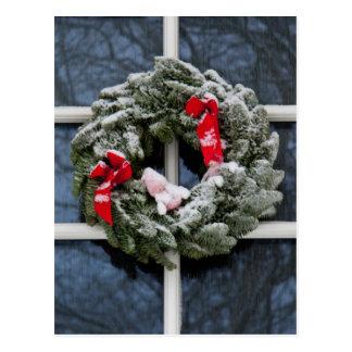 Snowy christmas wreath postcard