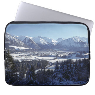 SNOWY MOUNTAINS LAPTOP SLEEVE