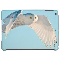 Snowy Owl in flight iPad Air Covers