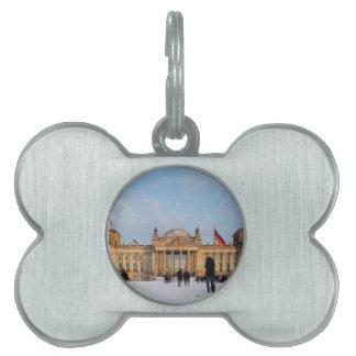 Snowy Reichstag_001.02 (Reichstag im Schnee) Pet Name Tag