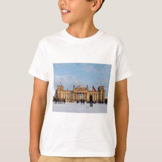 Snowy Reichstag_001.02 (Reichstag im Schnee) T-Shirt
