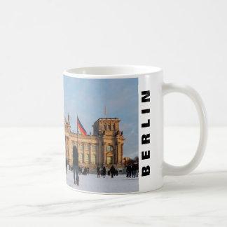 Snowy Reichstag_001.02.T.4 (Reichstag im Schnee) Coffee Mug