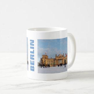 Snowy Reichstag_001.02.T (Reichstag im Schnee) Coffee Mug