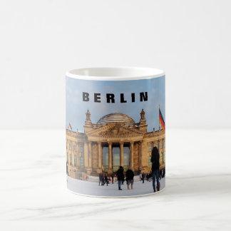 Snowy Reichstag_001.03.T (Reichstag im Schnee) Coffee Mug