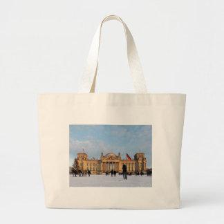 Snowy Reichstag (Reichstag im Schnee) Bag