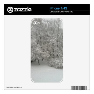 Snowy Trees Skin For The iPhone 4