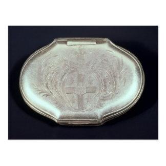 Snuff la caja grabada en relieve con un escudo de postal
