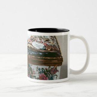 Snuffbox, c.1750 Two-Tone coffee mug