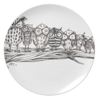 So Many Owls Party Plates