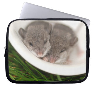 So Sleepy Baby Mice Computer Sleeve