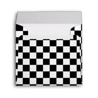 Sobre a cuadros negro y blanco de la invitación de