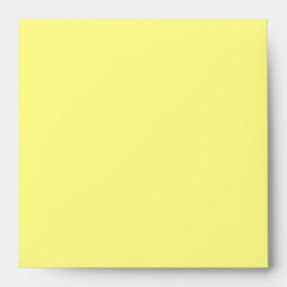 Sobre amarillo cuadrado