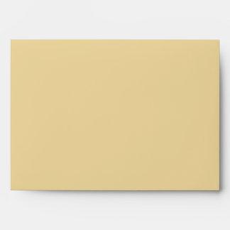 Sobre amarillo de oro de encargo con el remite