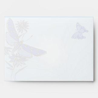 Sobre azul de la tarjeta de la invitación del cump
