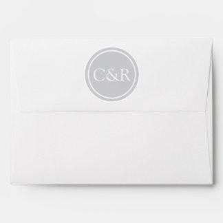 Sobre blanco del monograma, gris claro/plata