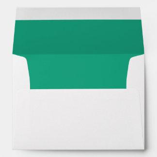 Sobre blanco, trazador de líneas oscuro del verde