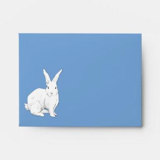 Sobre de la tarjeta de nota azul del conejo