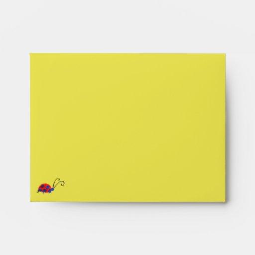 Sobre de la tarjeta de nota de las mariposas y de