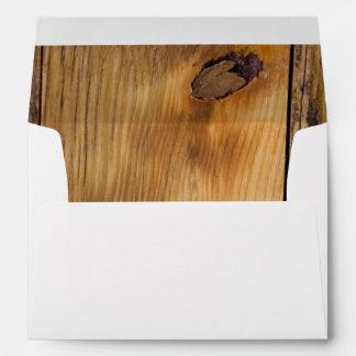 Sobre de madera del granero del país