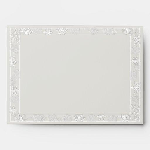 Sobre de plata y blanco del boda del copo de nieve