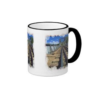 Sobre el puente taza de café