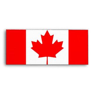 Sobre elegante con la bandera de Canadá