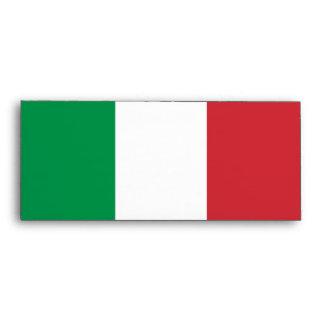 Sobre elegante con la bandera de Italia