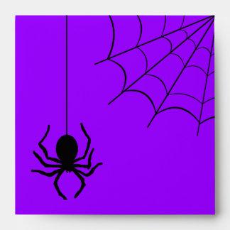 Sobre espeluznante púrpura de Halloween de la arañ