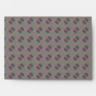 Sobre floral del azul, rosado y púrpura de los arc
