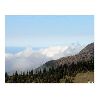 Sobre la postal de las nubes