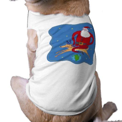 Sobre la ropa del mascota de Santa del mundo Camiseta De Perro
