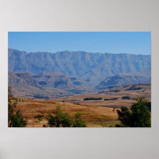 Sobre las colinas y en los valles póster