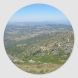 Sobre las montañas pegatina redonda