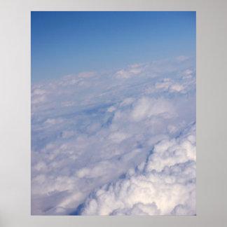 sobre las nubes póster