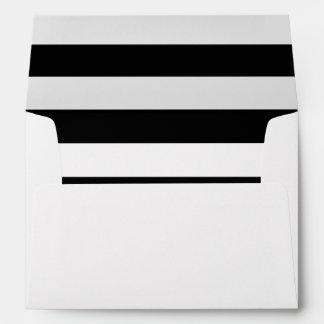 Sobre rayado blanco negro del personalizado del