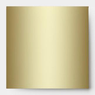 Sobre rojo de la invitación del cuadrado del oro