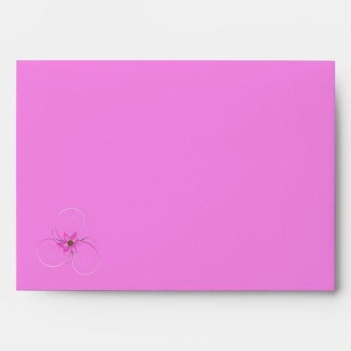 Sobre rosado bonito de la flor