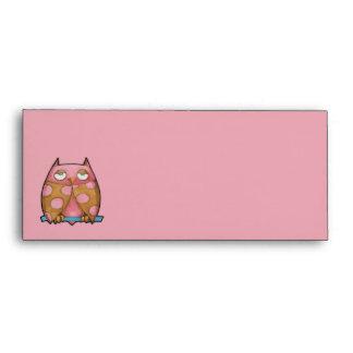 Sobre rosado del papel con membrete del rosa del b