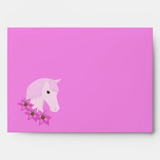 Sobre rosado del potro y de las flores