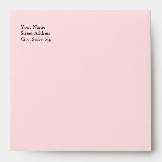 Sobre rosado y blanco caprichoso de la invitación