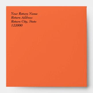 Sobre simplemente anaranjado 5.5x5.5 de la invitac