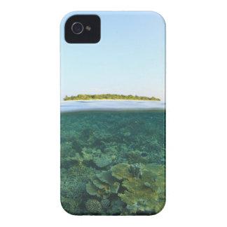 Sobre y debajo de la visión, isla de Havodigalaa, Funda Para iPhone 4 De Case-Mate