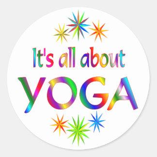 Sobre yoga pegatina redonda