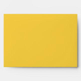 Sobres amarillos chartreuses del boda del damasco