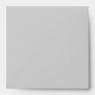 Sobres cuadrados del lino de los gris plateados