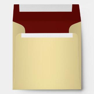 Sobres cuadrados del lino del rojo y del oro
