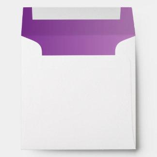 Sobres cuadrados púrpuras de Ombre