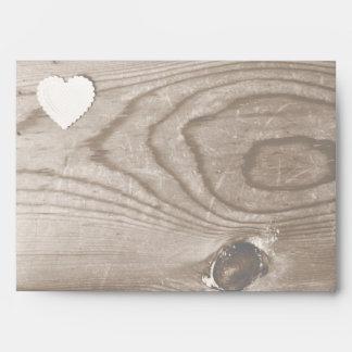 Sobres de madera de la invitación del grano del pa